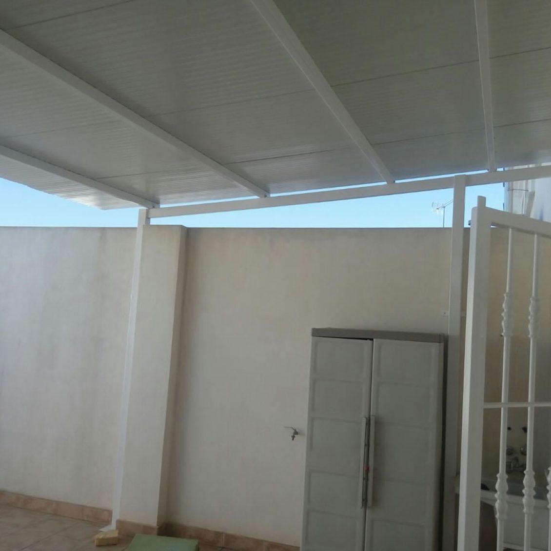 PANEL-SANDWICH-TEJA ROJO-BLANCO-en-Murcia